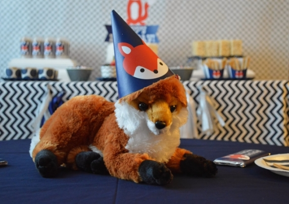 boys-what-does-the-fox-say-party-centerpieces